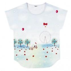 Hello Kitty T-Shirt: Apple