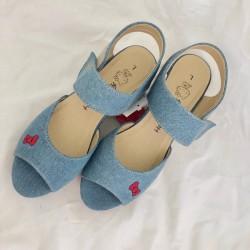 Hello Kitty Sandals: L D&F
