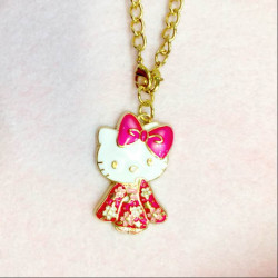 Hello Kitty Charm with Chain Pink / Red